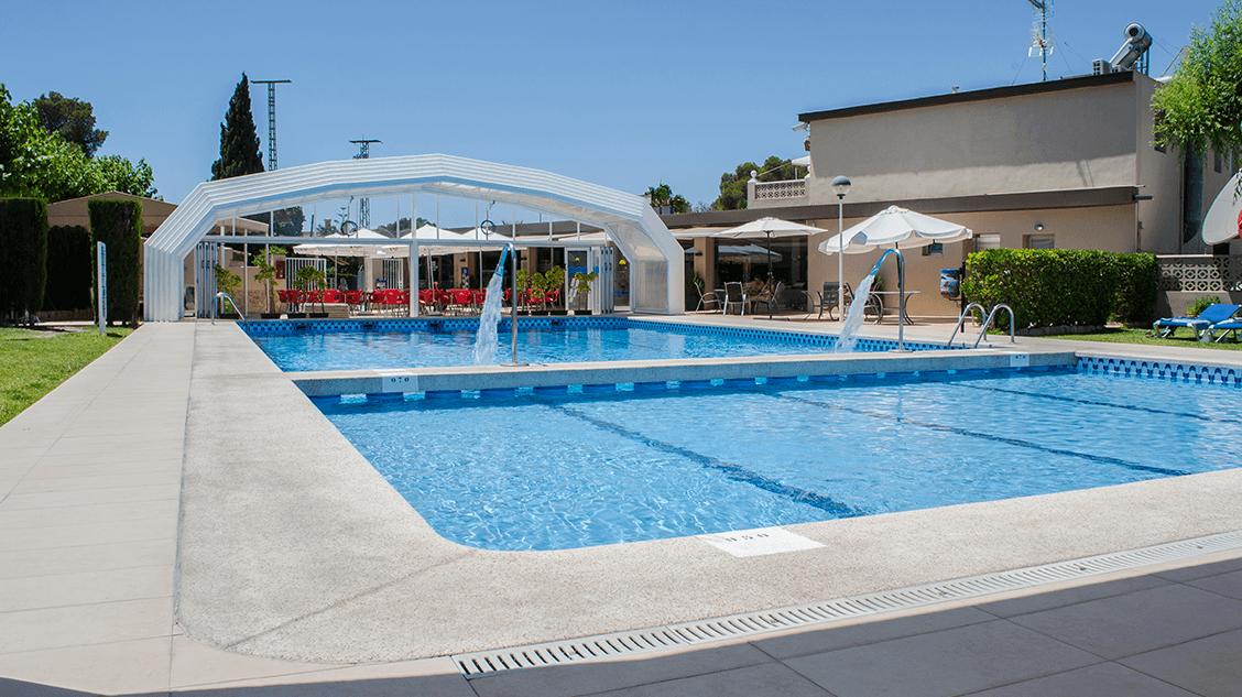 Arena blanca camping con piscina for Camping arena blanca