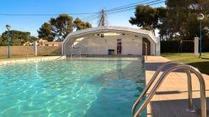 Camping con piscina Arena Blanca