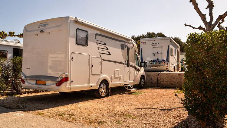 Camping con parcelas